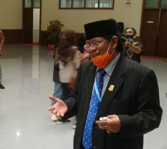 Wakil Ketua DPRD Provinsi Jambi Burhanuddin  Mahir