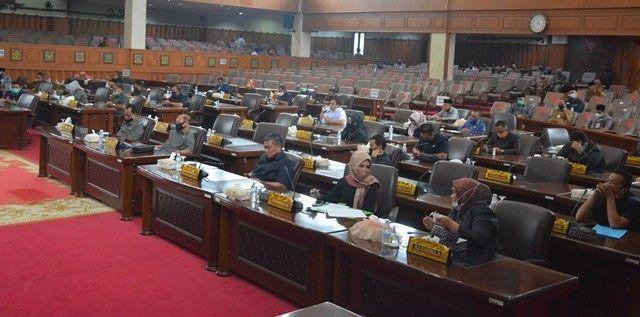 Suasana ruang rapat paripurna DPRD Provinsi Jambi.