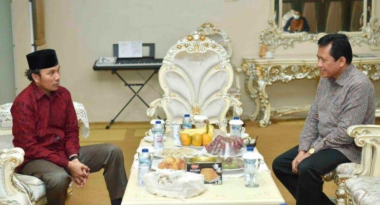Ketua DPRD Edi Purwanto saat berbinjang dengan Pjs Gubernur Jambi