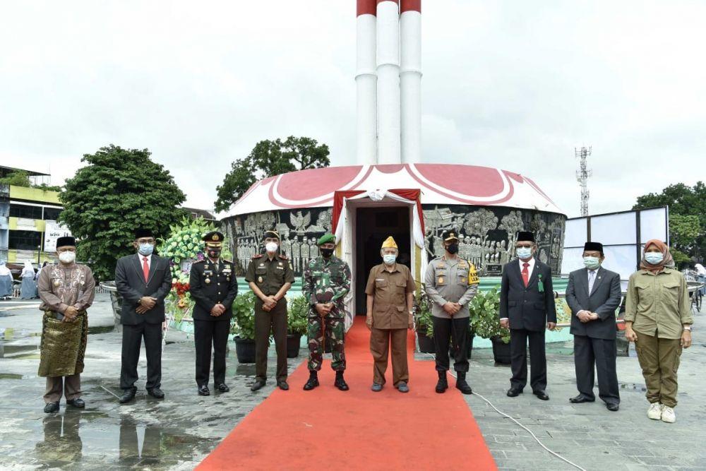 Upacara memperingati peristiwa sejarah pertempuran Simpang III Sipin, di Tugu Juang.