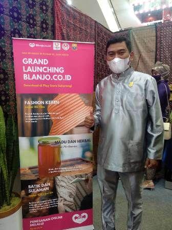 Blanjo.co.id dilaunching oleh Wakil Ketua DPRD Provinsi Jambi, Rocky Candra dan dihadiri Sekda Provinsi Jambi, Sudirman di mall WTC Kota Jambi, Rabu (6/1).