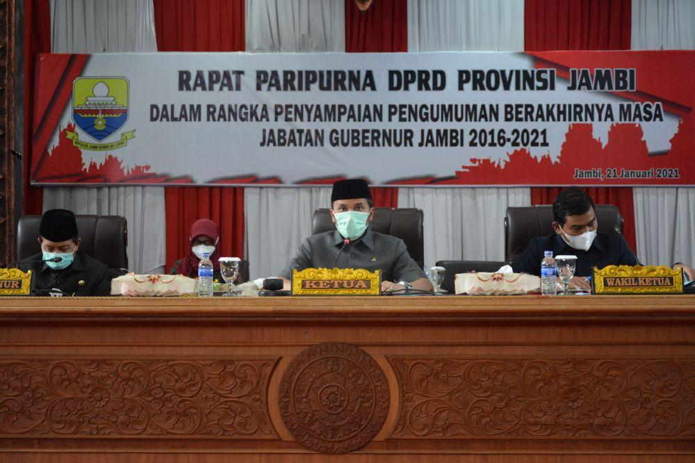 Ketua DPRD Provinsi Jambi Edi Purwanto Memimpin Paripurna dengan agenda pengumuman berakhirnya masa jabatan Gubernur Jambi periode 2016-2021.