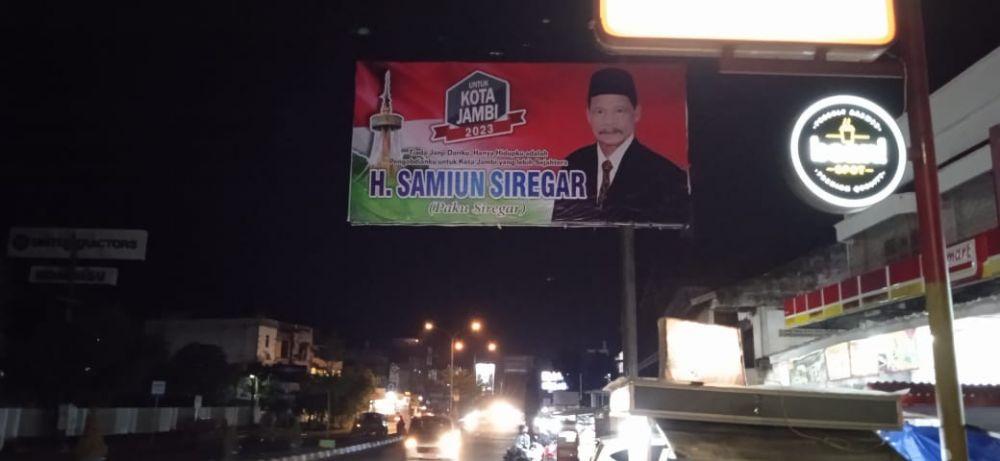 Baleho H Samiun Siregar yang bermunculan di Sudut Kota Jambi.