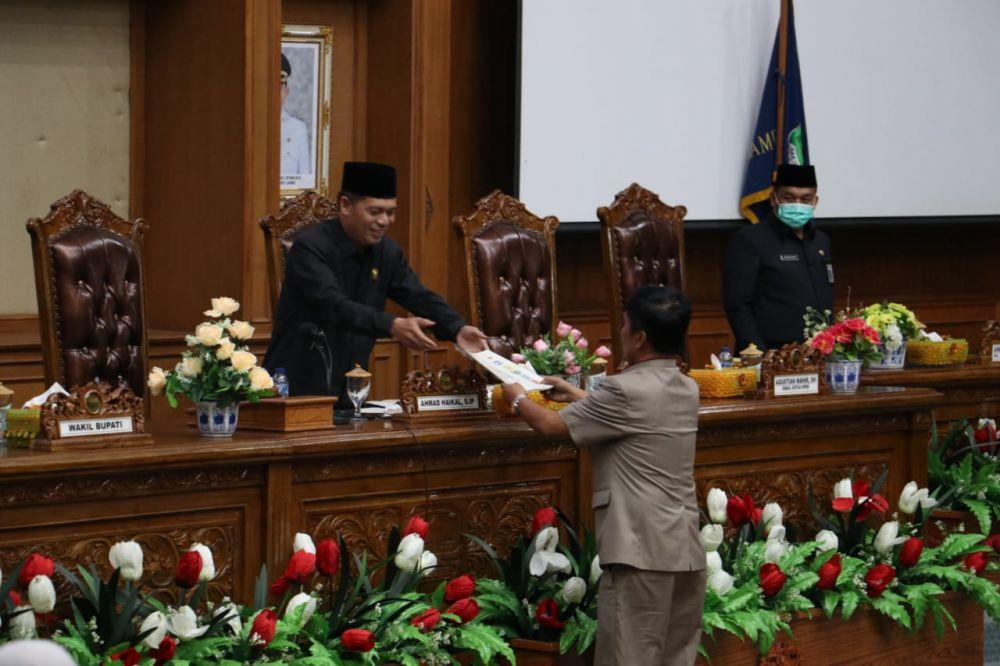 Wakil Ketua DPRD Muarojambi menerima laporan hasil reses anggota dewan