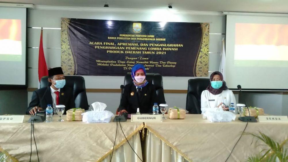 Penutupan Apresiasi dan Penganugrahan pemenang Inovasi Produk Daerah Provinsi Jambi Tahun 2021, di Aula Balitbangda Provinsi Jambi, Rabu (2/6).