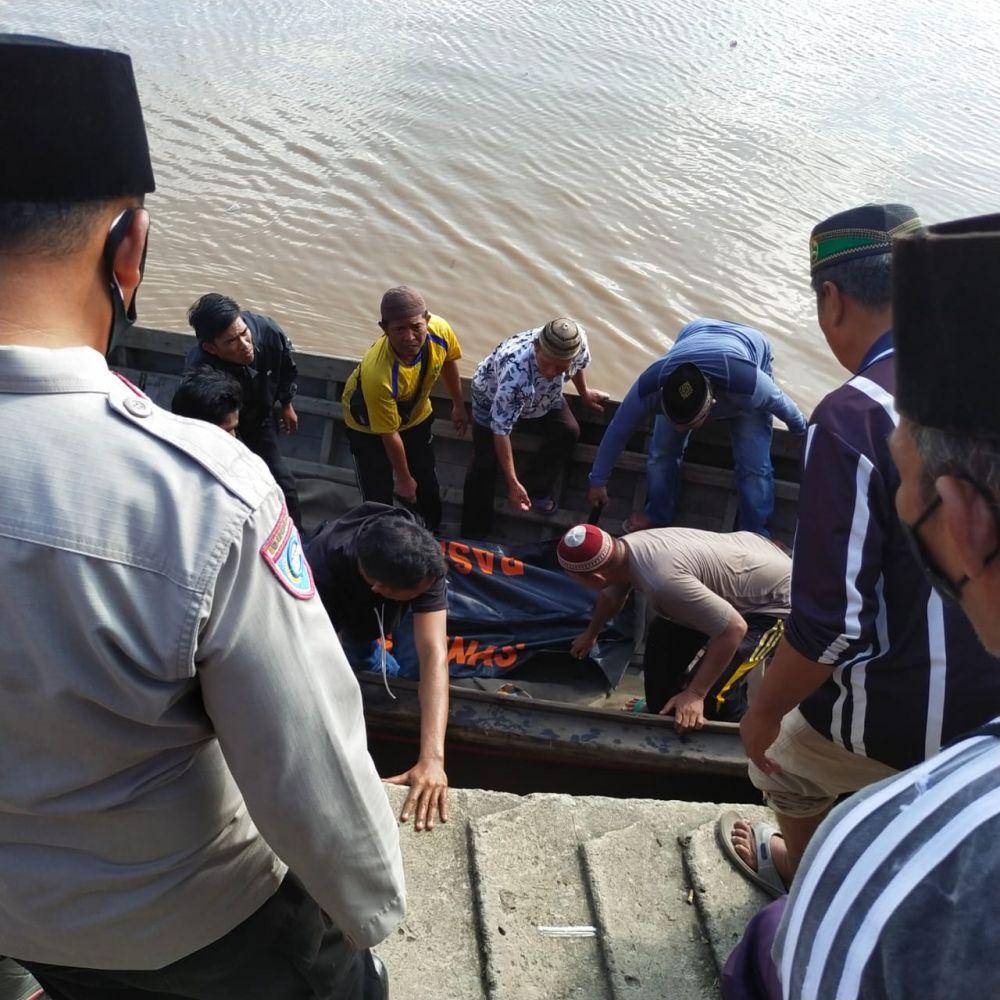 Evakuasi dua warga yang tewas tenggelam