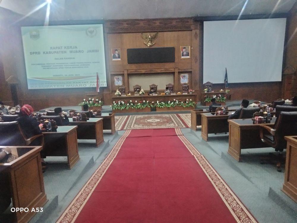 Rapat kerja DPRD Muarojambi.