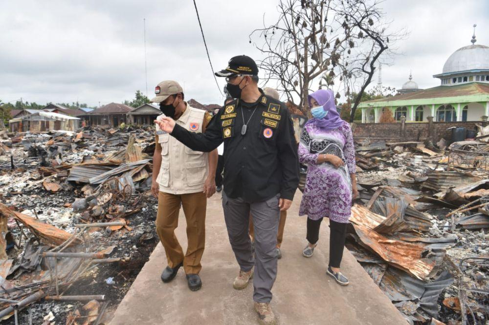 Fasha melihat langsung lokasi kebakaran