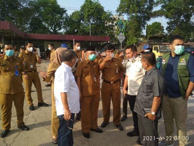 Komisi II DPRD Provinsi Jambi, Selasa (22/6) inspeksi mendadak ke pasar Angsodo Jambi