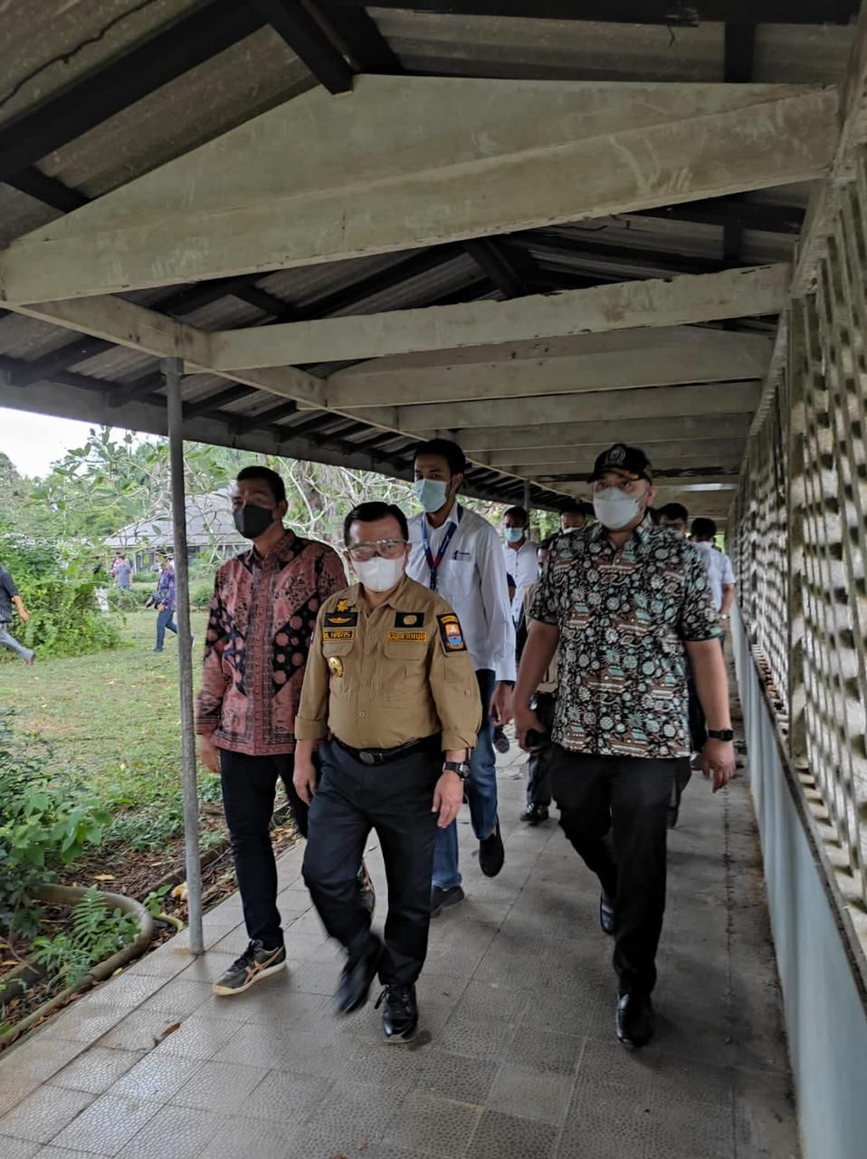 Wakil Ketua DPRD Provinsi Jambi Pinto Jayanegara ikut mendampingi Gubernur Jambi Al Haris Tinjau eks Rumah sakit pertamina di Bajubang akan di jadikan tempat parawatan pasien covid-19.