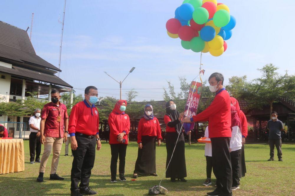 Peringatan Hari Anak Nasional 2021 Provinsi Jambi di halaman dalam Kantor Gubernur Jambi, Jum'at (23/7/2021).