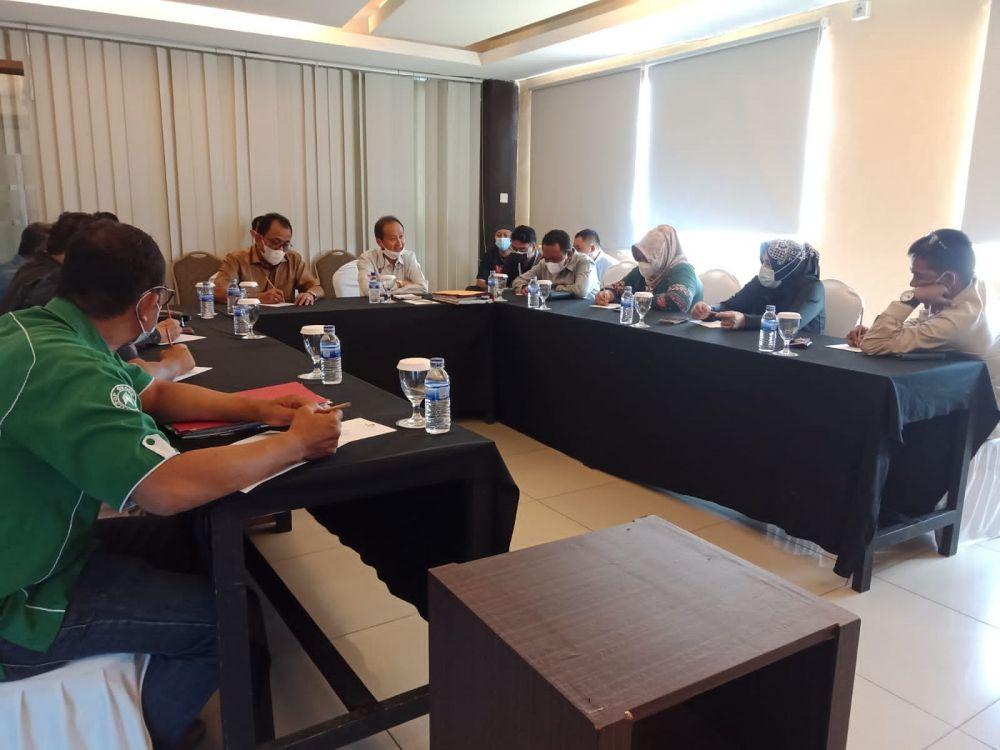 Pansus BOT DPRD Provinsi Jambi saat diskusi dengan Manajemen WTC Jambi