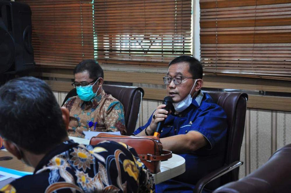 Ketua Pansus Konflik Lahan Wartono Triyankusum saat diskusi dengan OPD dan NGO belum lama ini.