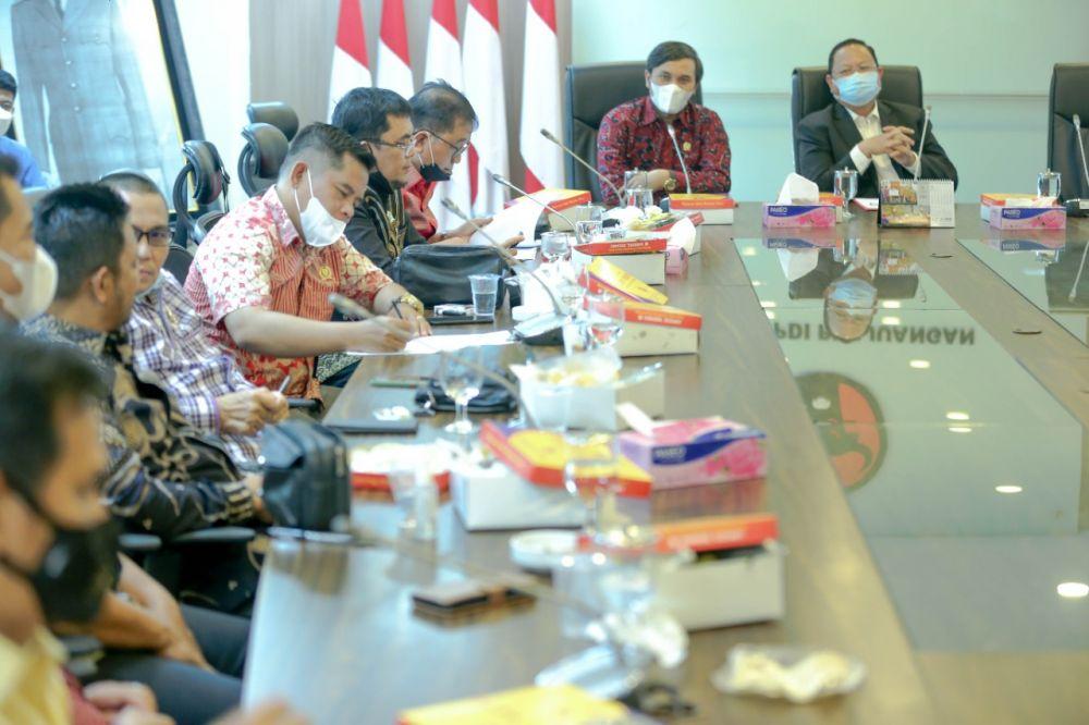 Pertemuan Pansus Konflik Lahan DPRD Provinsi Jambi bertemu dengan Ketua Komisi IV DPR RI